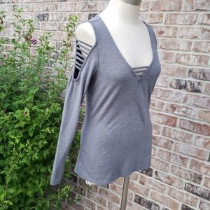 Rock and Republic Cut-Out Cold-Shoulder Gray Top S
